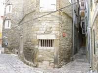 Úzké uličky Piranu